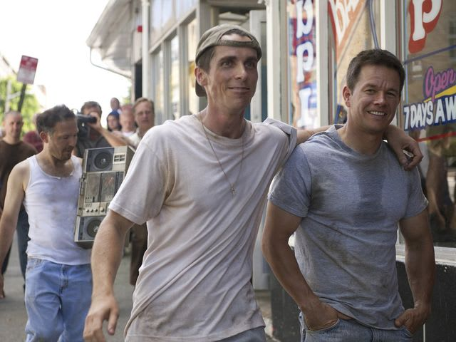 In quale film Mark Wahlberg e Christian Bale interpretano due fratelli nel mondo della boxe?