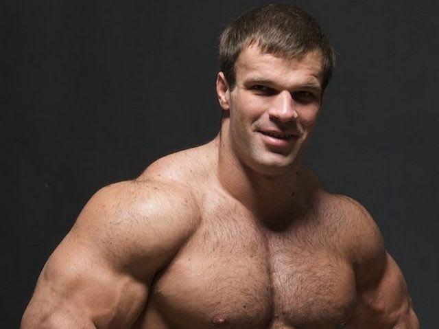 Русский гей развел натурала