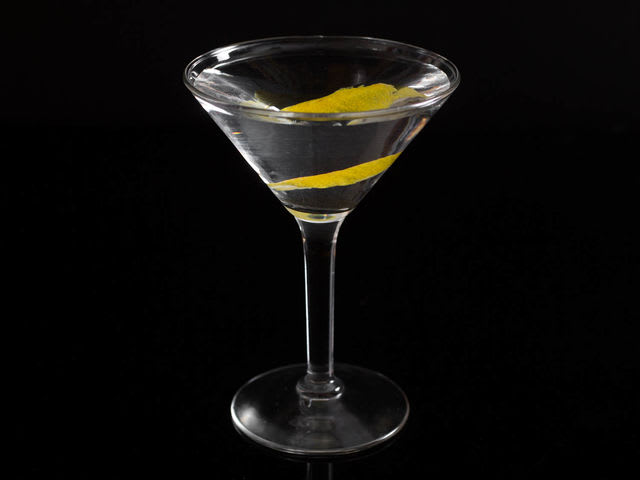 Which pair creates the traditional version of the ever-sophisticated martini?