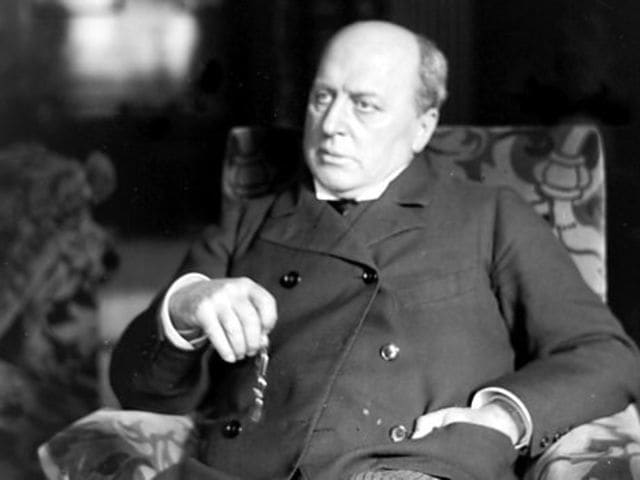 Henry James wrote The Turn of the Screw.