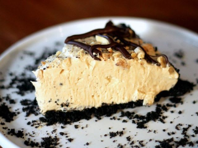 No-Bake Chocolate Peanut Butter Mousse Pie