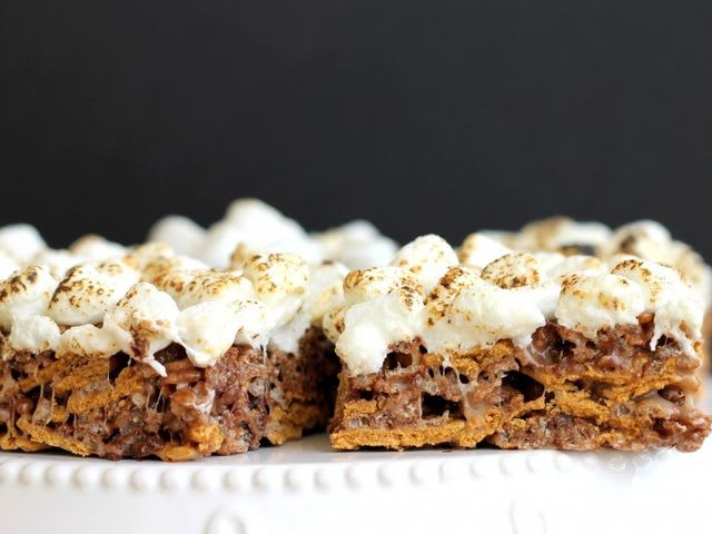 No-Bake Chewy S'mores Bars!