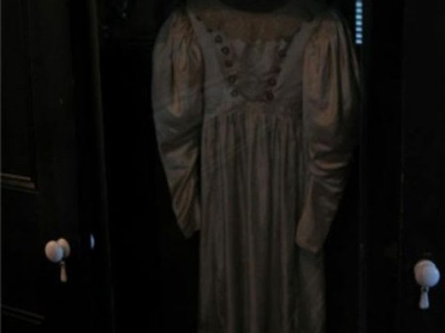 Anna Baker was supposed to wear this wedding dress, but her father drove her low-class love out of town. She never fell in love again or married. After her death the Baker home, now a museum, bought this dress and placed it in a glass display. In spite of its encasing, however, it is sometimes seen swaying from side to side on its own, like a bride is admiring herself in it.