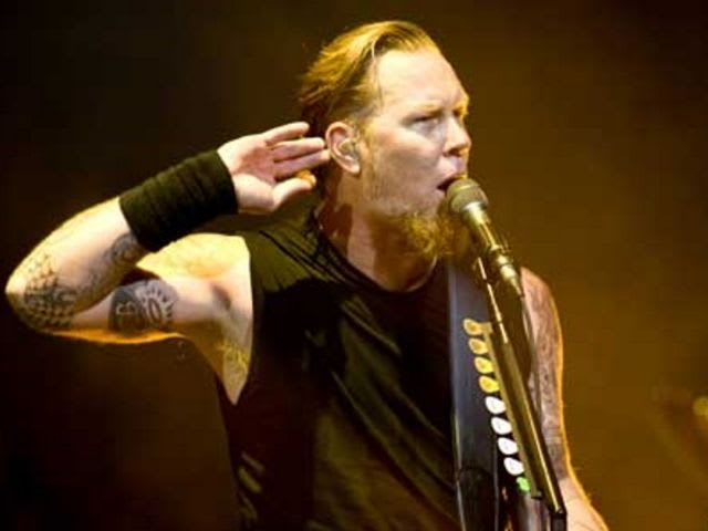 When James Hetfield was injured on stage, who stood in on guitar for him?