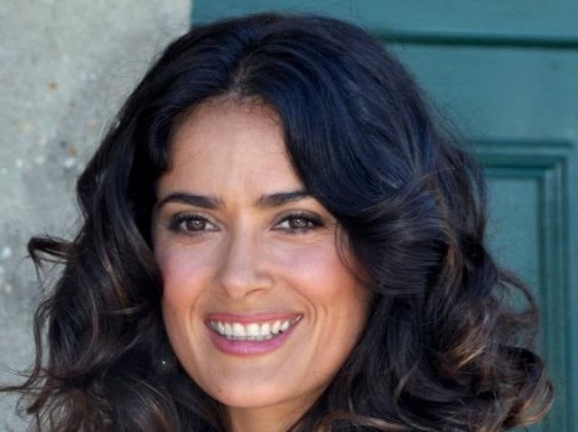 In which country was the Hollywood actress Salma Hayek born in?