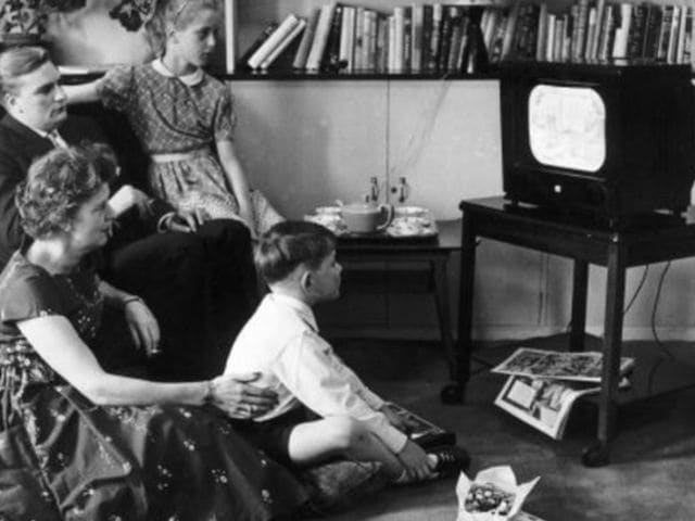 What invention allowed people to watch movies at home in 1971?