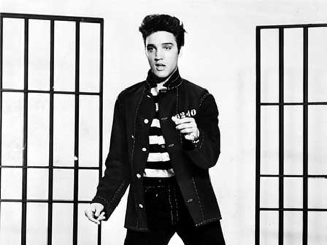 In what Southern town was Elvis Presley born?