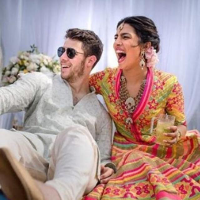 ניק ג'ונאס ופריאנקה צ'ופרה התחתנו
