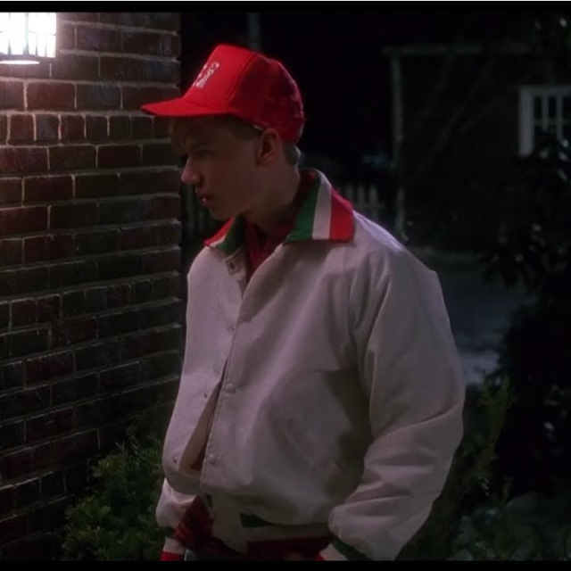 Kevin Scares Off the Pizza Guy in Home Alone
