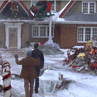 Samantha Kills the Christmas Display in Just Friends