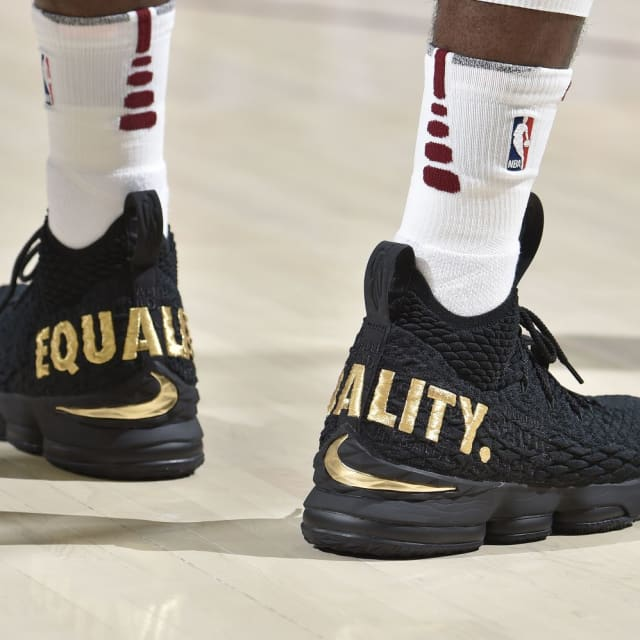 15afeeb3a5384 NBA -- Which player had the best sneakers on Opening Week