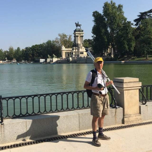 Este es Alfredo Vanegas hoy,recorriendo el parque de El Retiro en Madrid. Foto: cortesía