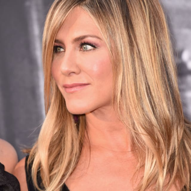 Jennifer Aniston. That woman has BEEF.