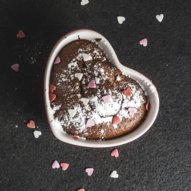 Heart-shaped tin