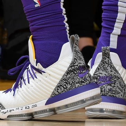 58b317747b9074 Which player had the best sneakers of Week 21 in the NBA