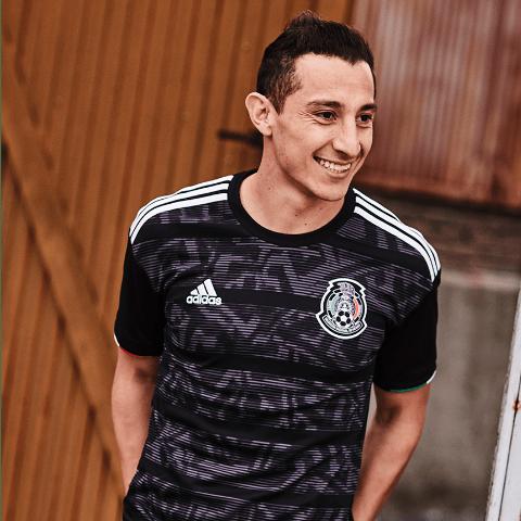 d147f304c3e63 Selección Mexicana  La selección mexicana presenta la nueva playera ...