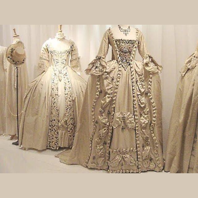 Create Your Own Elizabethan Wedding