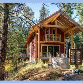 Une belle cabane dans le fin fond du bois, seul
