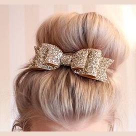 A hair bow!