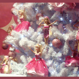 Action Figure or Barbie Tree