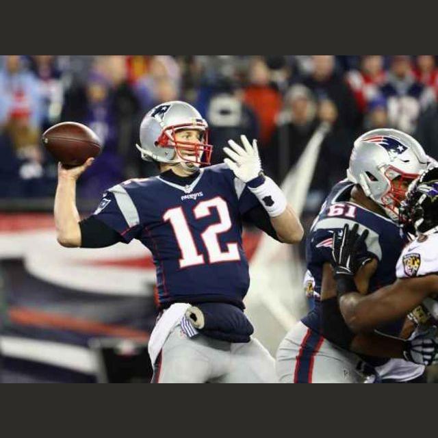 Tom Brady (406 yards, 3 TD 1 INT)