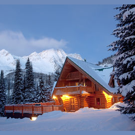 A log cabin in the mountains