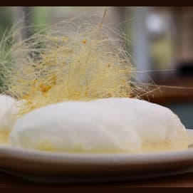 Light cakes comprised of meringue and custard
