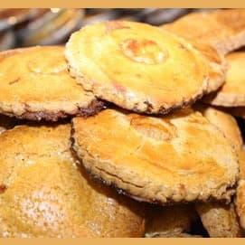 Jam-stuffed cookies