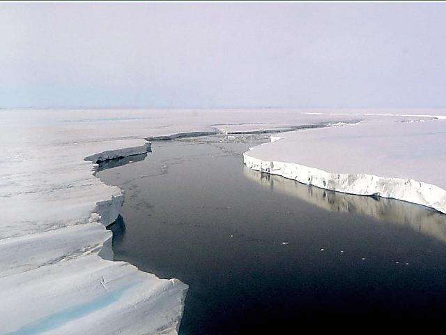 La barrera de hielo Larsen es una de las plataformas de hielo de la Antártida que ha experimentado colapsos sin precedentes.