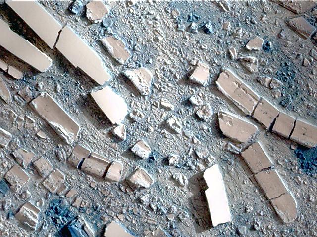 En 2008, la barrera de hielo Wilkins colapsó, como se aprecia en imágenes satelitales de sus remanentes.