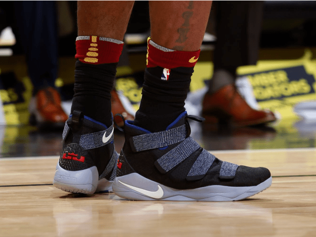 c6dd2058f36 NBA -- Which player had the best sneakers in Week 8