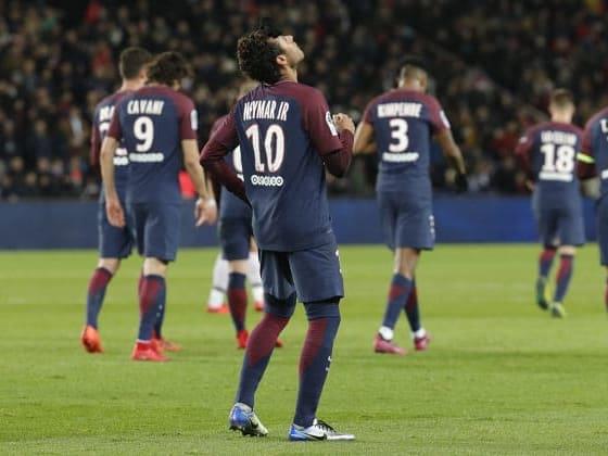 Neymar brilha 74df8fabc14ec