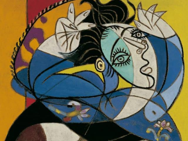 """Ella jugueteaba con una navaja entre sus dedos. A veces fallaba y sin querer se pinchaba, manchando de sangre sus guantes negros de encaje. Picasso –fascinado-, le pidió que le regalara esos guantes para guardarlos para siempre de recuerdo""""."""