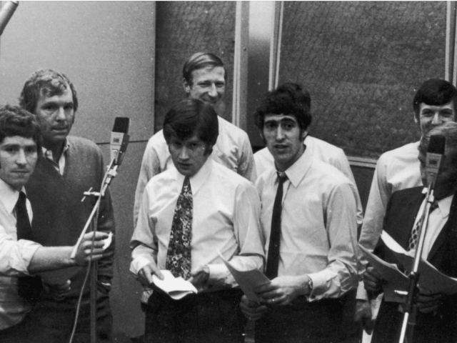 1970 The England Squad Recorded Back Home To Try And Recreate Their 1966 Triumph Song Got Top Of Charts