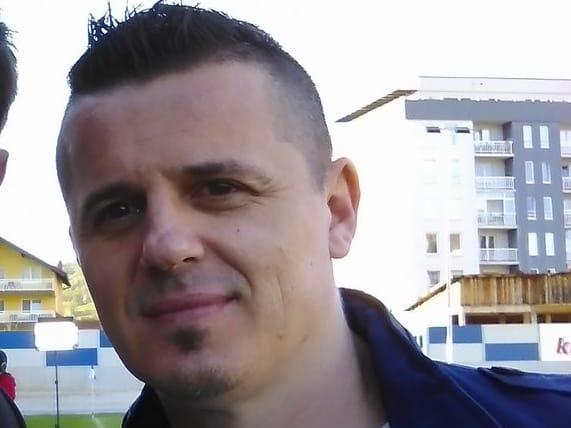 Jugó en 1998 y 2002 para Croacia