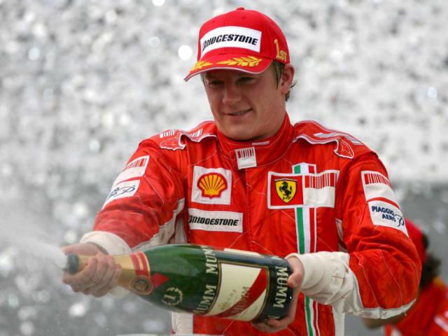 Kimi Raikkonen. Ha acabado en los puntos 194 veces.