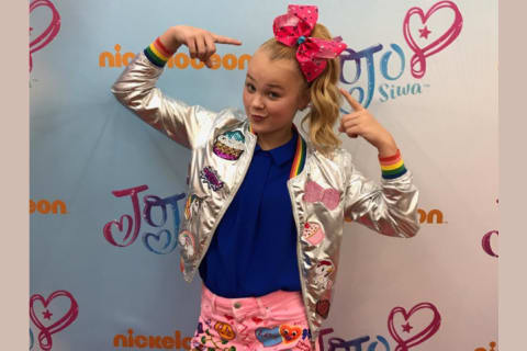 Quiz: Finish the Lyric - 'Kid in a Candy Store' by JoJo Siwa