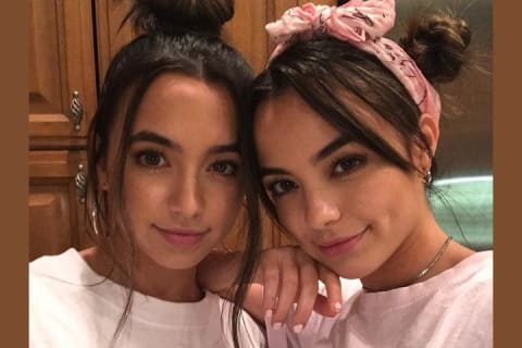 QUIZ: Are You More Like Vanessa or Veronica Merrell?   TigerBeat