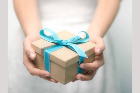 Weather It Is Your Friends Birthday Any Special Occasion New Year Or Other Reason A Gift Will Make Friendship Bond Closer