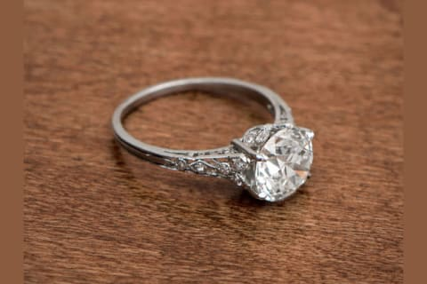ce7467e2e5252 Which Type Of Engagement Ring Are You?