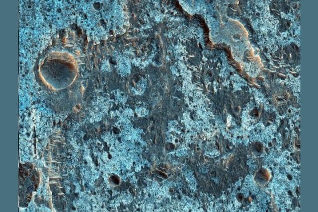 Ganges Chasma es un profundo cañón en el extremo oriental del gran sistema Valle Marineris.