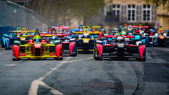 With the Hong Kong ePrix just around the corner, it's time to watch some previous races to get you into the right mood. But which one? We're here to help you decide!