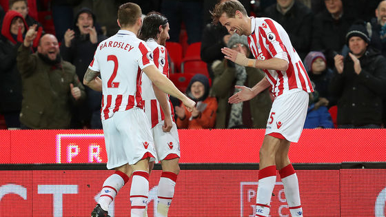 Peter Crouch became the latest member of the Premier League's 100 goals club with his effort against Everton, the Stoke striker becoming the 26th person to earn entry to the prestigious group.  But can you remember who ranks where in the list? Let's see.