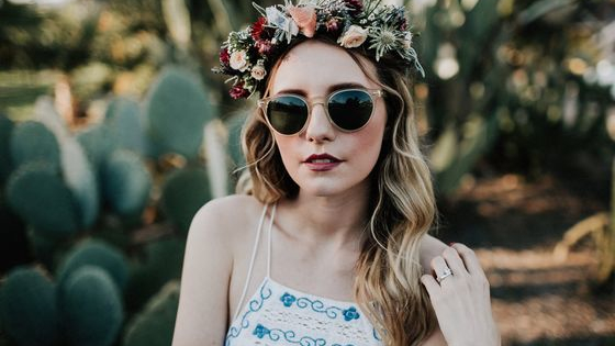 From dainty and delicate to bold and expressive, sometimes it is hard to know what type of flower crown best complements our overall energy and style. Take this quiz to learn more about what flowers and colors are best for your flower crown!