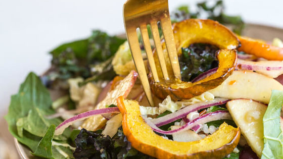 If you made a New Years Resolution to eat better this year, we have the perfect quiz to help you find a tastier way to do it. Just build the basics of your perfect salad, and we'll suggest some amazing toppings to put on it!