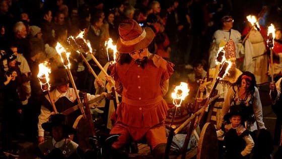Usually we burn a paper mache of Guy Fawkes on Bonfire Night, but let's have a look at these creative alternatives. Do you have a favourite? Tell us in the comments!