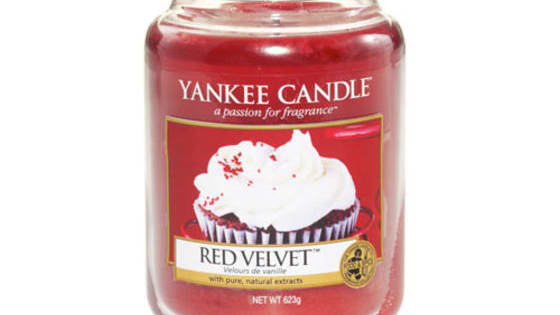 When you are at the store and you pass the Yankee Candles, and you just have to stop and smell, do you ever wonder which candle fits your personality perfectly? Well, here is the perfect test to find out!