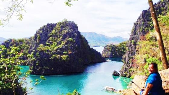 Want to create a bucket list of the best destinations in the country? Use these tips from Filipino Travel + Lifestyle Bloggers.  Let me know which one is your favorite! For more > www.twowaytravels.com