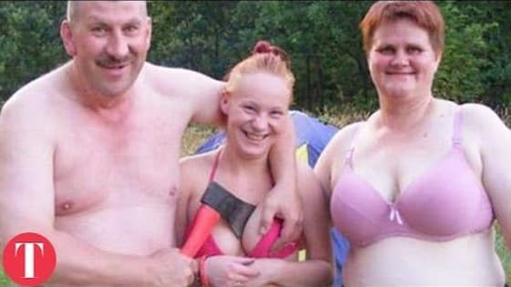 25 Awkward Families You Won't Believe Actually Exist