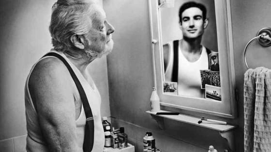 How many times per day do you check your appearance in mirrors?
